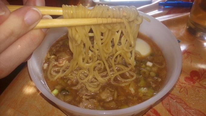 海外でラーメンの麺作り